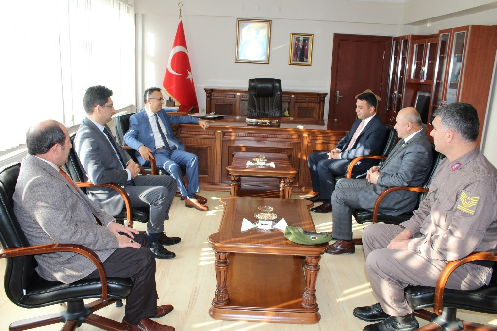 Vali Çeber, Eflani'de ziyaret ve incelemelerde bulundu.